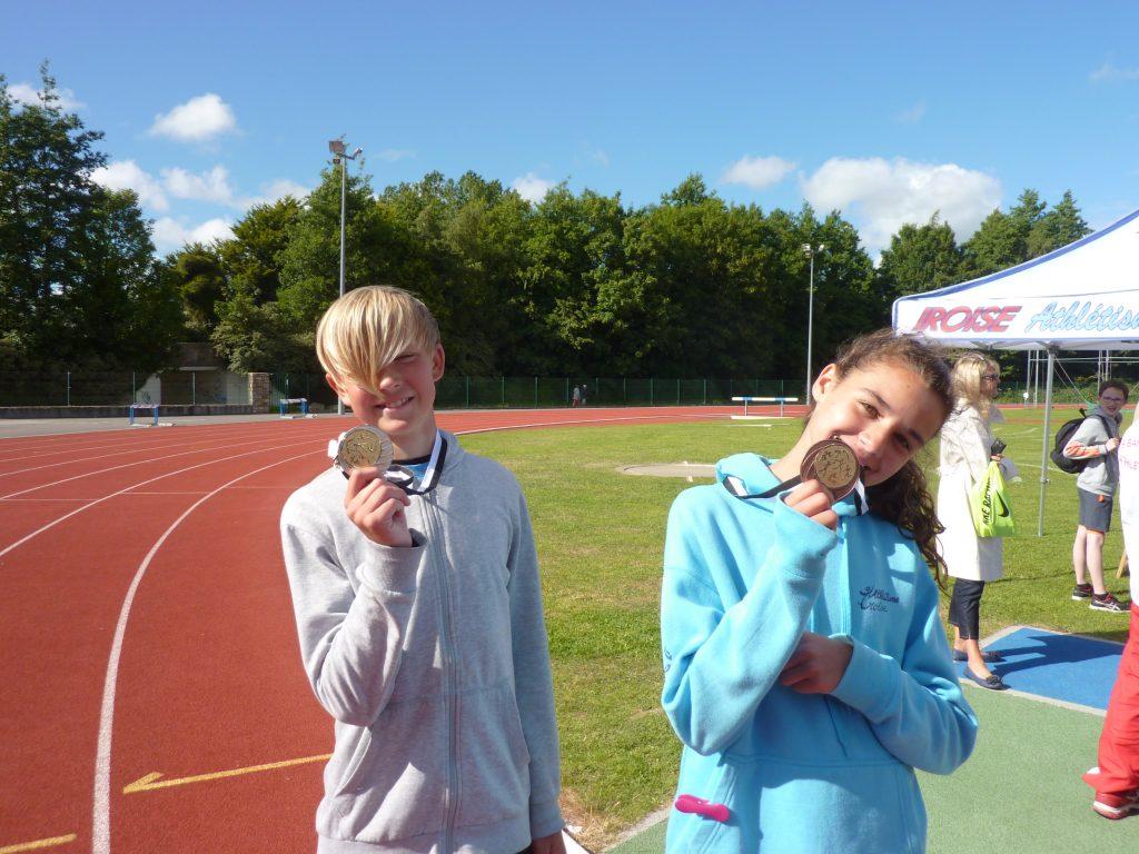 Les médaillés: Milo à la hauteur (1m40) et Jeanne au disque (20m38)